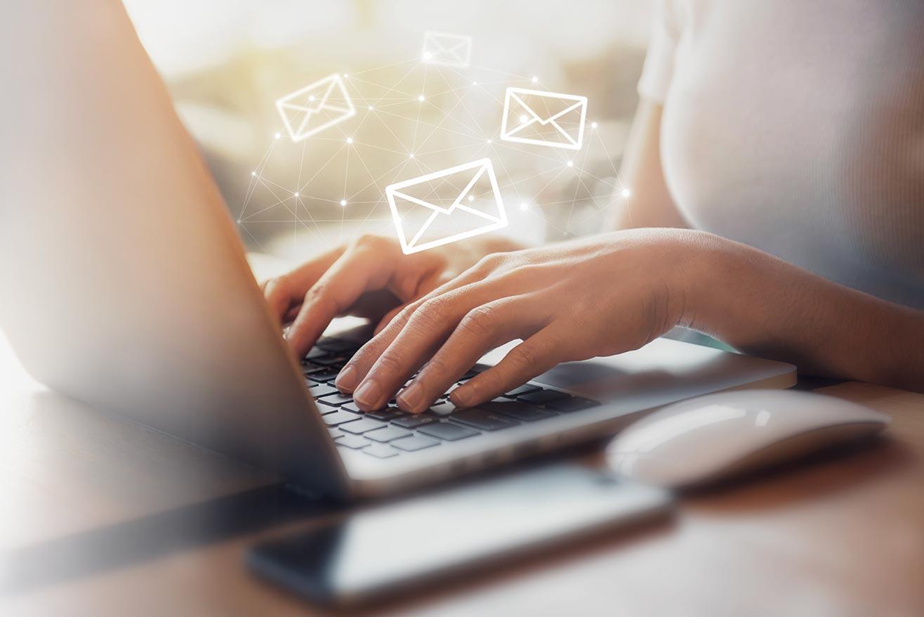 campañas de email marketing integrado con tu CRM